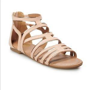 SO gladiator sandal